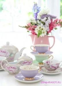 утренний кофе и букет цветов